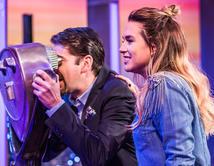Érika y Eduardo aprenden los secretos del presentador