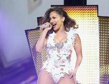 Vota por tu estilo preferido de la Diva del Bronx y no te pierdas este gran show el 15 de noviembre a las 8pm/7c por Telemundo.