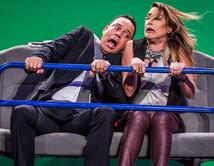Alexis Valdés improvisa situaciones con los presentadores