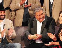 """Recibió la visita de su agrupación favorita La banda """"Intocable""""."""