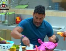 Alimentando a su bebé Sofia