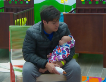 En la guardería con su bebé Lupita