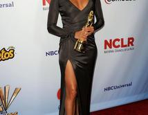 Do you like Eva's red carpet look at the 2011 NCLR ALMA Awards?