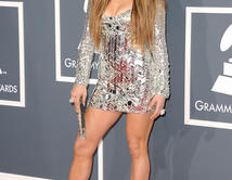 Do you like JLo's red carpet look at the 2011 GRAMMY Awards?