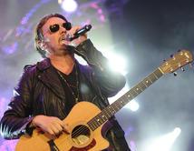 Will Maná win Artista del Año at the 2012 Latin Billboard Awards?