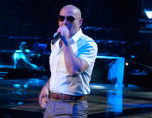 "Pitbull con Ne-Yo, Afrojack y Nayer  ""Give Me Everything""  (Mr. 305/Pologrounds/J/RCA)"