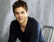 "James Marsden as Malcolm / Kevin Doyle in ""27 Dresses"". A newspaper wedding columnist. Picture courtesy of http://www.imdb.com"