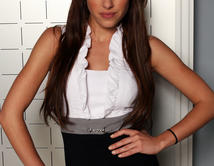 Do you think brunettes are more sophisticated? Take a look at Stef, played by Sofía Lama. She could be a very hot brunette!