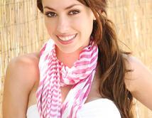 Dangerous Sweet! Sensual y muy directa, Stephanie tiene el encanto de una niña y la fuerza de una bomba sensual.