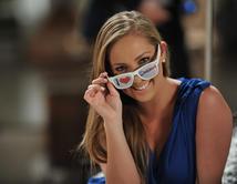 La bella actriz venezolana de Corazón Valiente, Vanesas Pose muestra su bella sonrisa. ¿Es de tus favoritas?