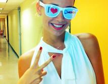 La presentadora de Un Nuevo Día es la presentadora del la Alfombra Azul de Premios Tu Mundo.
