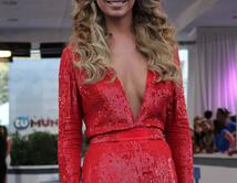 ¿Cuál hermosa mujer cree usted que es la más femenina y sexy de la noche en Premios Tu Mundo?