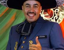 ¿Lupillo Rivera vestido de Mariachi?