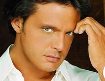 Con sus ojos verdes, el Sol de México arrasó las listas con su música y con las mujeres que lo adoran.