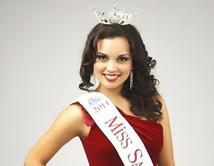 Perdió su corona como Miss San Antonio, Texas por tener problemas de sobrepeso.