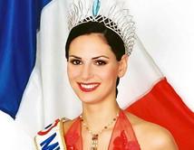 La Miss Francia 2004 apareció desnuda en la revista Playboy.