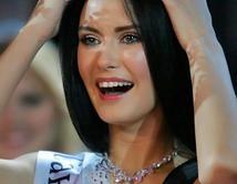 La Miss Rusia 2009, fue descalificada de la competencia Miss Mundo por haber formado parte de una sesión de fotos eróticas.