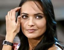 La ganadora de Miss Francia 2008 fue despojada de su corona por posar de manera provocativa para la revista francesa Entrevue.