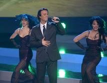 """De todas las canciones que cantó Julio Iglesias en """"Yo Me Llamo"""", ¿Cuál fue tu favorita? Podrías volver a escucharla en la final.  VOTA"""