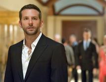 Bradley Cooper protagoniza esta comedia romántica junto a Jennifer Lawrence y Robert De Niro. ¡Vota por tu favorita!