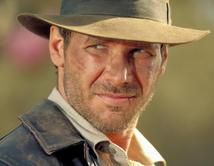 Este arqueólogo, profesor, espía y rompe corazones merece el título de héroe a pesar de ser un hombre normal, sin súper poderes.