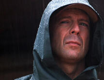 En esta película de matices sobrenaturales, Willis descubre sus poderes sobrenaturales luego de un accidente.
