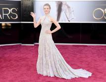 Amanda Seyfried en la alfombra roja de los Oscar