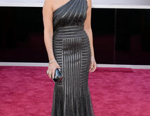 Norah Jones en la alfombra roja de los Oscar