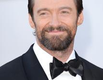 Hugh Jackman en la alfombra roja de los Oscar