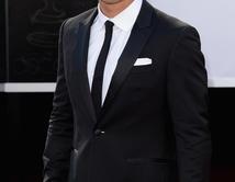 Mario Lopez en la alfombra roja de los Oscar