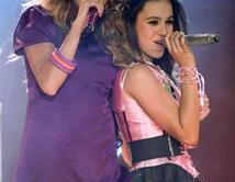 Compartió en show con la cantante mexicana 2010.  ¿Cuál ha sido tu dueto favorito de Paulina?