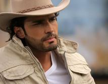 En Herederos del Monte lo vimos como Gaspar con su look de vaquero sexy que dejó a más de una babeada.