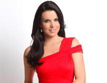 Bonita, vistosa y elegante. Una de las mujeres más hermosas de la alta sociedad.