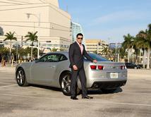 Ryan es uno en todos los sentidos. Ellos son caballeros y con un gusto por los buenos autos y el buen vestir, que enciende pasiones.