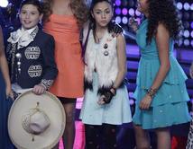 """De todos los vestuarios de Paulina Rubio en """"La Voz Kids"""" ¿cuál te ha gustado más?"""
