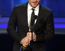 """El talentoso actor ganó 'Actor de Cine Favorito en un Papel de Reparto'por su trabajo en """"Wrath of the Titans"""""""
