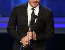 Won 'Favorite Movie Actor- Supporting Role'.