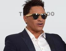 Gerente de restaurante aseguró que Elvis se emborrachó y se violentó.