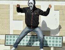 Baile grupal inició en redes sociales y se popularizó en todo el planeta.