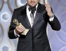 """Leonardo bromeó con Martin Scorsese. """"Primero y más que a nadie, tengo que agradecerle al gran Martin Scorsese. Gracias por acosarme para hacer The Wolf of Wall Street""""."""