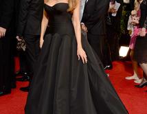 Una vez más Sofía Vergara se fue a casa sin el Golden Globe, pero su vestido fue lo más aplaudido de la noche.
