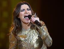 """La súper estrella mundial del Pop llega de la mano de su reciente éxito """"Víveme"""". ¡Vota por ella!"""