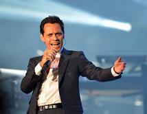 El 15 veces finalista vuelve a deleitarnos con su música en Premios Billboard 2014.