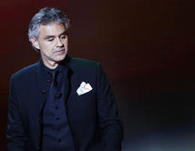 El tenor italiano recibirá el Premio Billboard Trayectoria Artística y cantará en vivo durante los Premios Billboard de la Música Latina 2014.