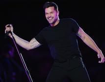 Ricky Martin confirmó que estará cantando en vivo en los Premios Billboard 2014 en medio de un año agitado, ya que está preparando el lanzamiento de su esperado álbum en el 2014.