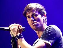 """El cantante español está atravesando por un gran año. Su nuevo sencillo """"Bailamos"""" es un éxito total."""