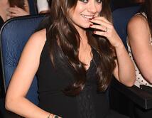 Está comprometida con Ashton Kutcher
