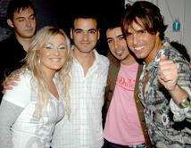"""La banda Española es reconocida internacionalmente por sus canciones poéticas como """"La playa"""", """"Rosas"""" y más."""