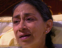 Vicky le cuenta a Mónica que Elena mató a Julián