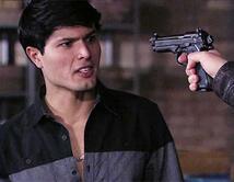 Ernesto es amenazado por el Chema Venegas